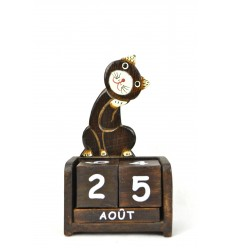 Perpetual calendar cute Cat in wood. Deco child's room.