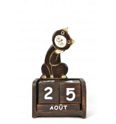 Perpetual calendar cute Cat in wood. Deco child's room.