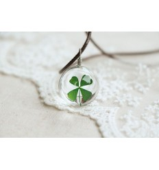 Necklace lucky charm with pendant Clover with 4 leaves