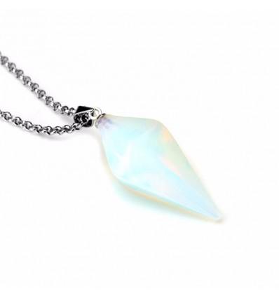 Collier avec pendentif en Opale blanche naturelle style pendule. Amour, sensualité, intuition.