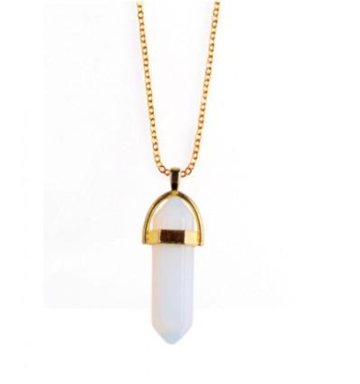 Collier avec pendentif pointe en Opale blanche naturelle. Amour, Sensualité, Intuition.