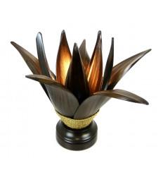 Lampe de salon ethnique en feuille de cocotier naturelle.
