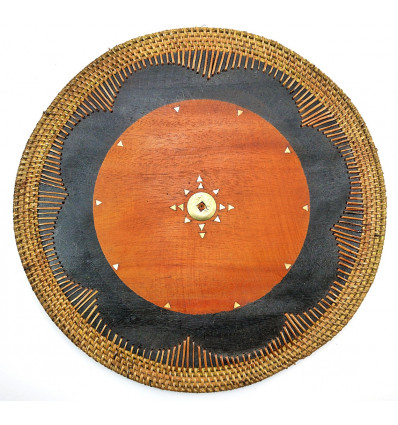 Set de table rond en bois style exotique. Déco de table ethnique.