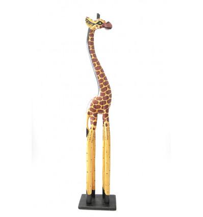 Grande statue girafe debout en bois, décoration ethnique africaine.