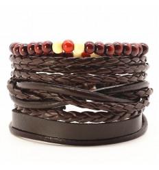 Manchette pour homme. Ensemble 4 bracelets tendance assortis.