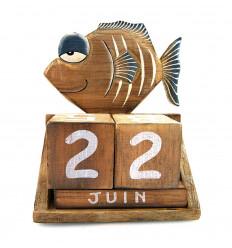 Calendario perpetuo, cubetti di pesce di legno. Regalo di compleanno per il bambino.