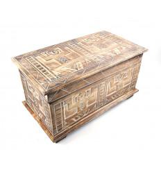 Coffre de rangement en bois style ethnique africain.