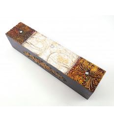 Boîte ethnique asiatique en bois. Rangement thé encens télécommande.