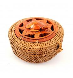 Petite boite ronde artisanale en rotin bois tortue. cadeau tortue.