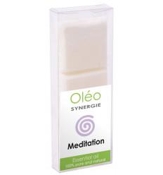 Cire végétale parfumée aux huiles essentielles pour la méditation.