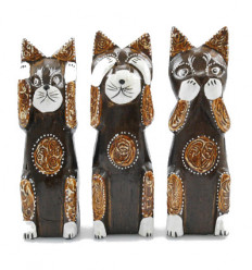 Decoration cat. Statuettes of cats of the wisdom house in the world.