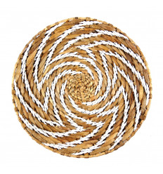 Ethnic Style Wall Basket in Braided Abaca. Wall decoration inspiration