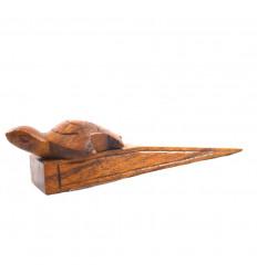 Porta tartaruga di legno marrone intagliata a mano